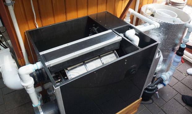 Le filtre sépare l'eau des déjections solide des poissons